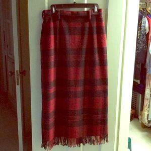 Long wooden plaid skirt